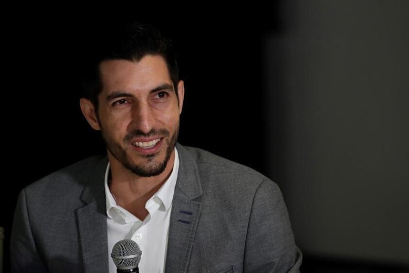 El portero panameño Jaime Penedo anuncia su retiro del fútbol en conferencia de prensa este jueves, en Ciudad de Panamá (Panamá). EFE