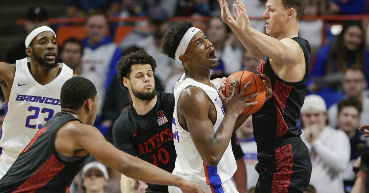 Aztecs have no trouble with Boise State, improve to 26-0