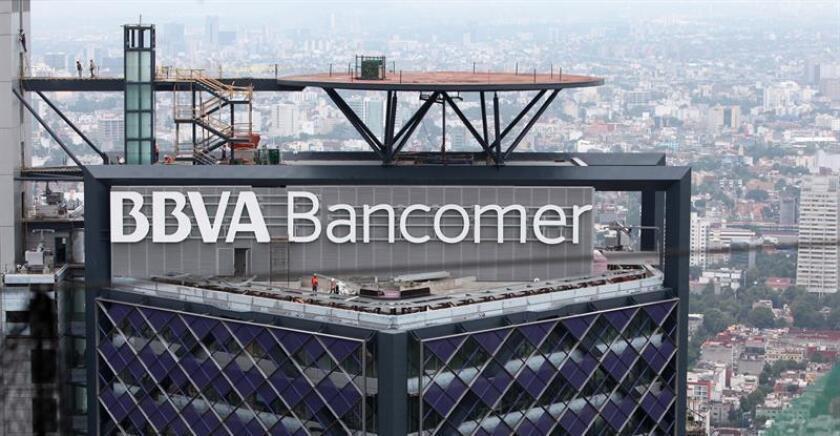 BBVA Bancomer, filial en México del español BBVA, inició en las últimas semanas el despido de alrededor de 1.000 empleados, de los que prescinde al avanzar en su plan de digitalización, confirmó hoy a Efe una fuente de la entidad financiera. EFE/ARCHIVO