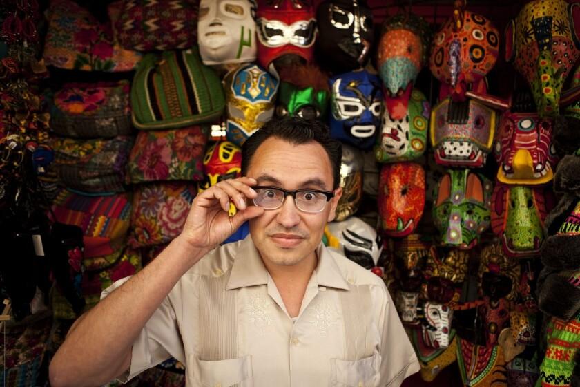 Gustavo Arellano creció en Anaheim, California, donde los adolescentes usaban el término 'Juanga' para discriminar a los muchachos afeminados; después aprendió a respetar al legendario artista.