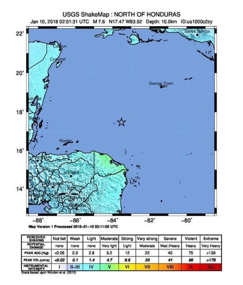 Imagen cedida por el Servicio Geológico de los Estados Unidos (USGS), de un mapa de movimientos telúricos que muestra el epicentro (marcado con una estrella) de un fuerte terremoto de magnitud 7,8 en la escala de Richter que sacudió, el martes 9 de enero de 2018, las áreas entre Honduras y Cuba y provocó una alerta por tsunami que podría afectar a Puerto Rico y a las islas Vírgenes, según el USGS. EFE/USGS