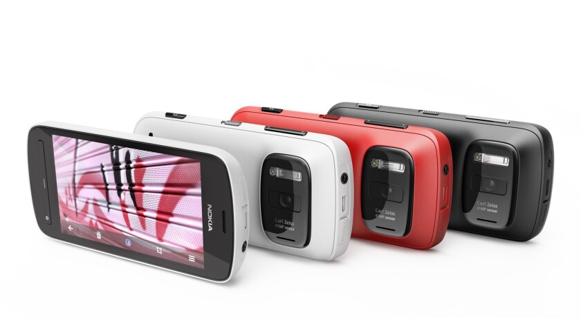 Nokia 808 PureView phones in various colors