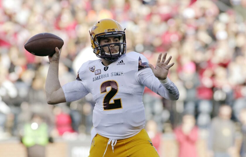 Arizona State quarterback Mike Bercovici (2) prepares to pass during the first half of an NCAA college football game against Washington State, Saturday, Nov. 7, 2015, in Pullman, Wash. (AP Photo/Young Kwak)