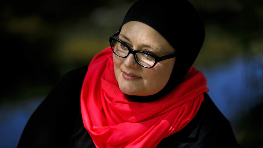 Jennifer Hyatt claims in a federal lawsuit that Ventura County Sheriff's Department deputies removed her hijab and refused to give her an alternate form of cover when they arrested her last year, a move that would fly in the face of federal law.