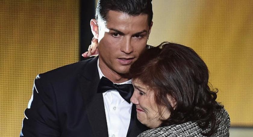 Cristiano Ronaldo y su madre.