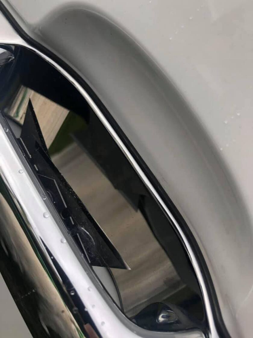razor blade door handle.jpg