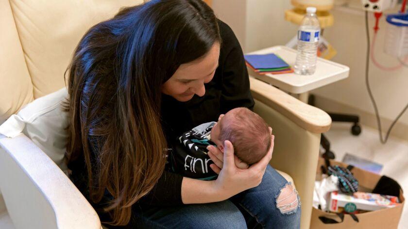 La madre de un bebé infectado con superbacteria en UC Irvine asegura que el hospital no le informó del brote