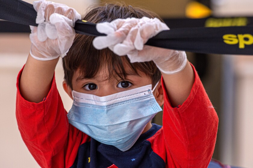 Niños que se contagian con el nuevo coronavirus muestran síntomas menos graves