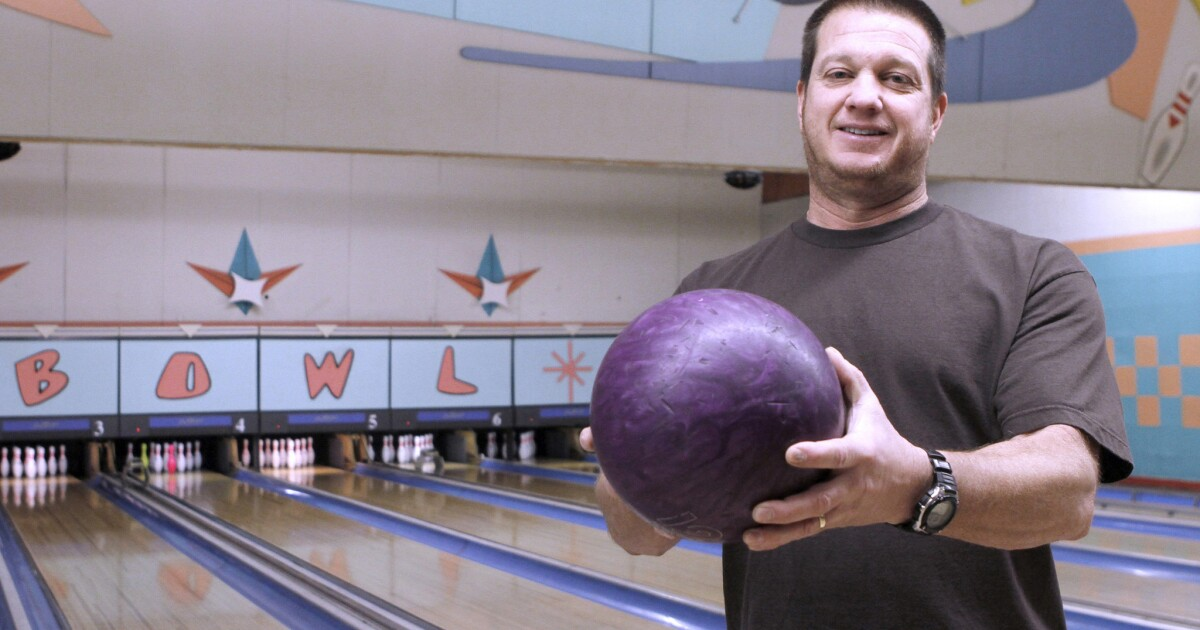 Montrose Bowl Christmas Party 2020 Montrose Bowl still going strong   Los Angeles Times
