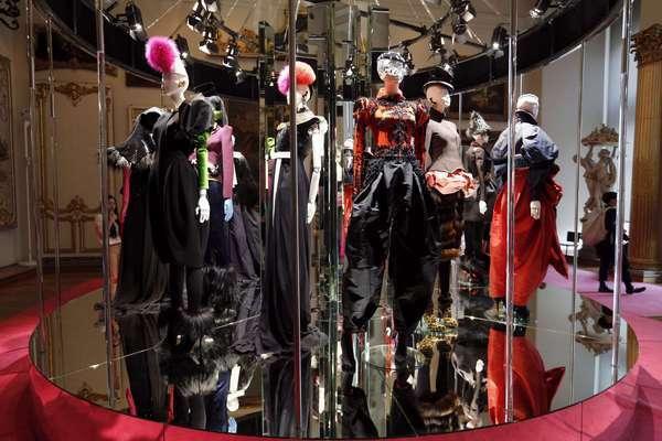Christian Lacroix Creates Homage To Elsa Schiaparelli Los Angeles Times