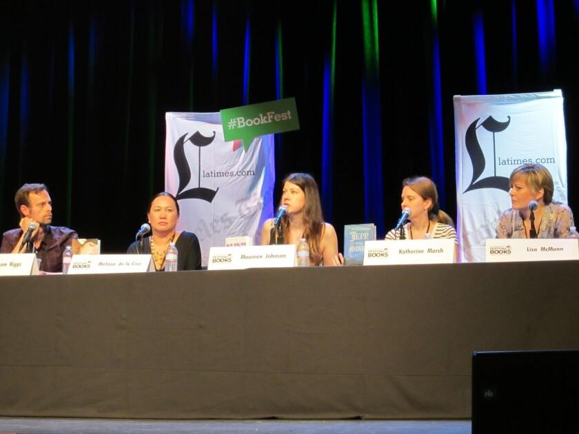 Melissa de la Cruz, Maureen Johnson talk YA -- and ghosts