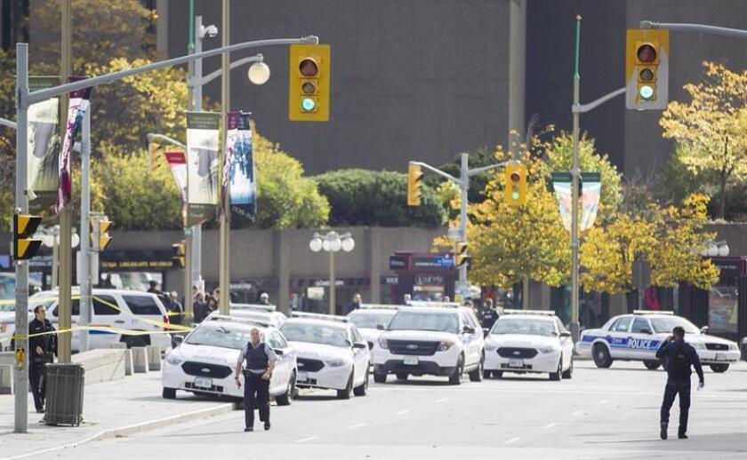 Las autoridades de Canadá practicaron hoy la autopsia al cuerpo de Faisal Hussain, el presunto autor del ataque del domingo en Toronto, donde al menos dos personas murieron y otras trece resultaron heridas en una acción que se descarta que fuera un atentado terrorista. EFE/ARCHIVO