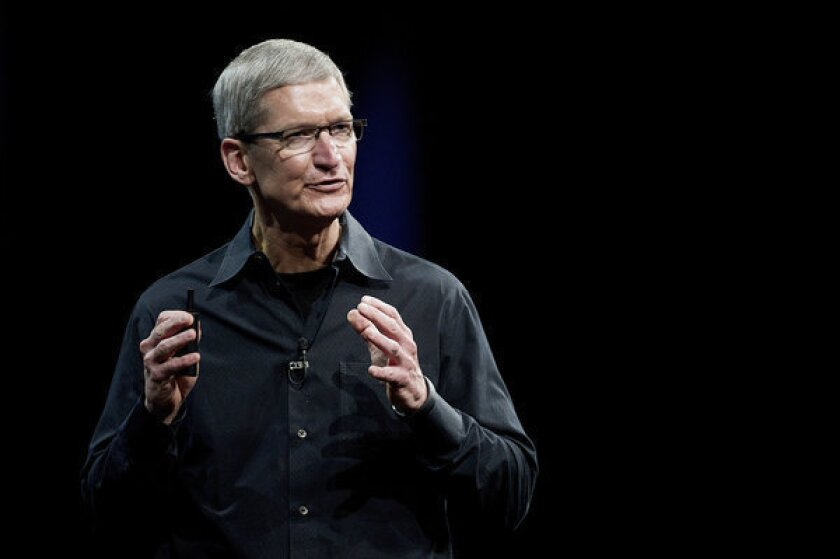 Apple CEO Tim Cook ordered to testify in e-books antitrust case