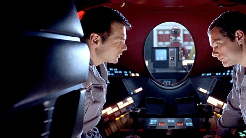 (L-R) GARY LOCKWOOD as Dr. Frank Poole and KEIR DULLEA as Dr. David Bowman in the Stanley Kubrick di
