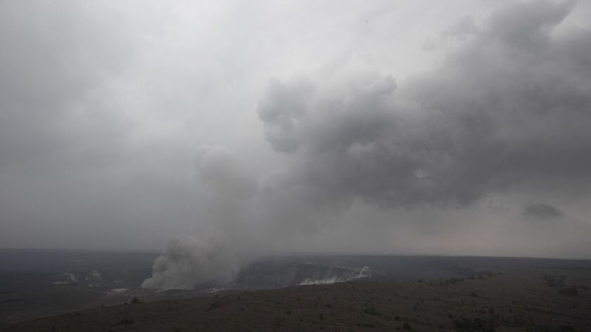 Park is closed around Hawaii volcano over fears it will erupt - Los