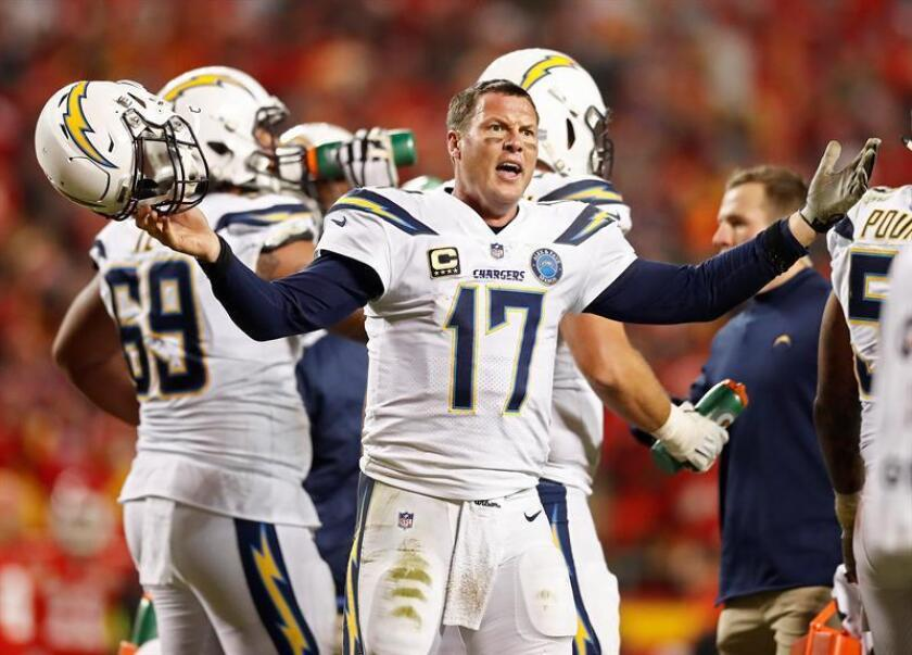 Los Angeles Chargers quarterback Philip Rivers complains about a call in the second half of an NFL football game against the Kansas City Chiefs at Arrowhead Stadium in Kansas City, Missouri, USA, on Dec. 13, 2018. EPA-EFE/LARRY W. SMITH