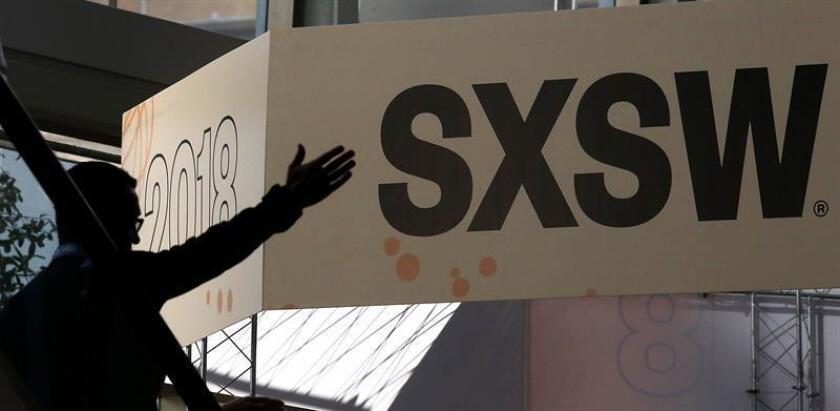 El Departamento de Policía y el Gobierno de Austin, en Texas, confirmaron hoy que este sábado se vieron obligados a cancelar varios conciertos del festival South by Southwest (SXSW) debido a una posible amenaza de bomba en el lugar del evento. EFE/EPA/Archivo