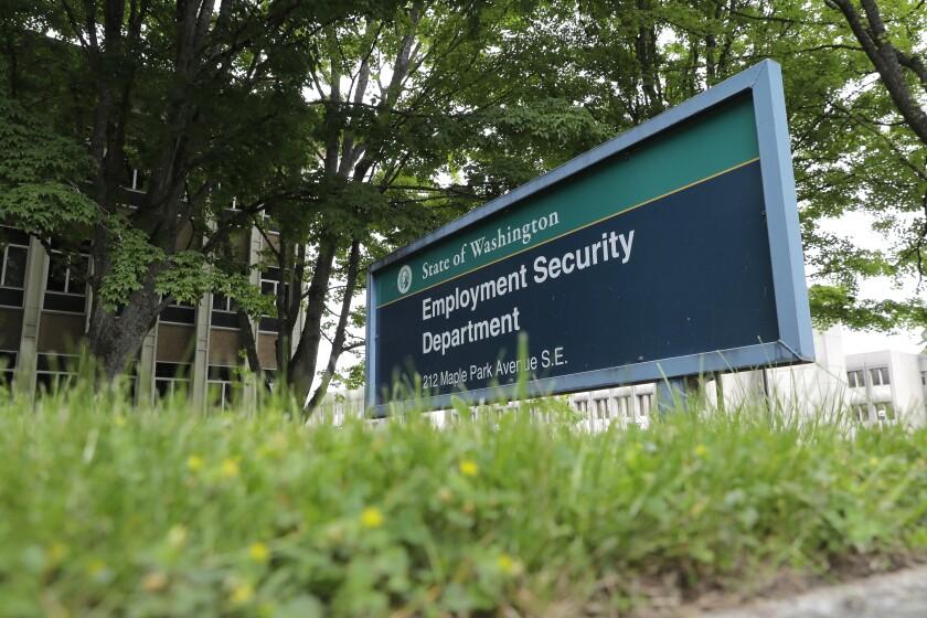 ARCHIVO - En esta fotografía puede verse un letrero en la sede del Departamento para la Seguridad del Empleo.