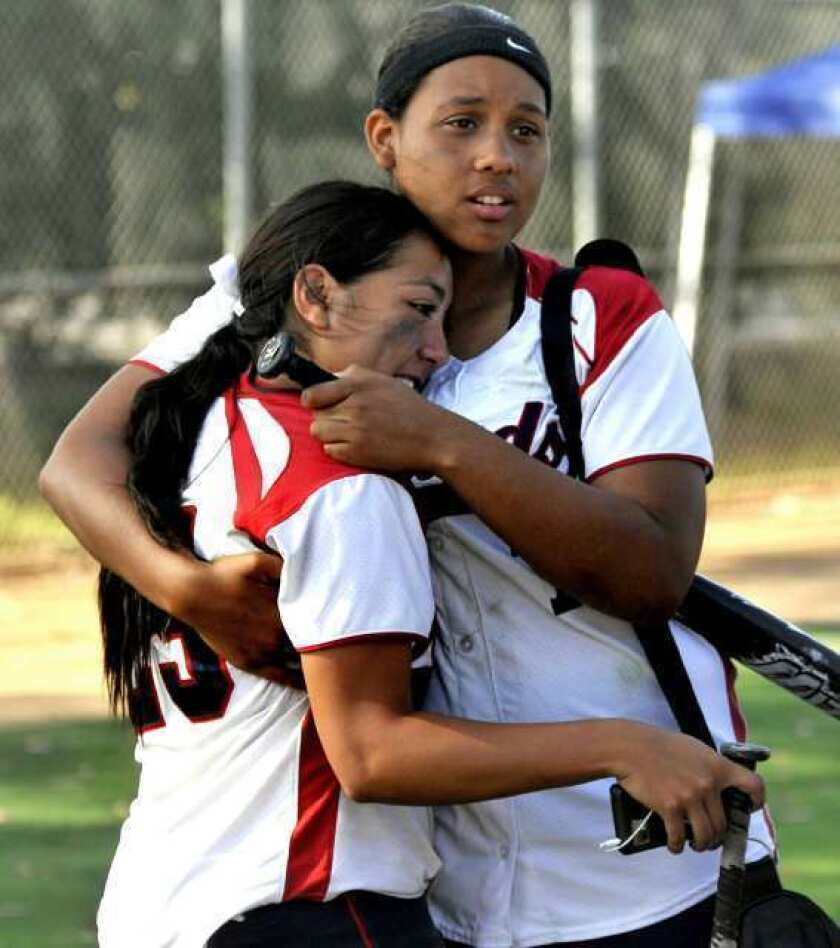 Guards softball suffers perfect game defeat in championship rematch with Pomona Catholic, 1-0