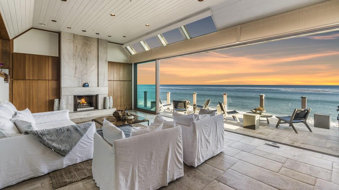 Otis Chandler's former Malibu beach house