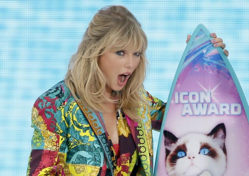 Taylor Swift en los Teen Choice Awards 2019