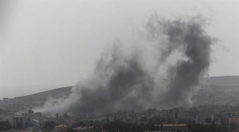 """La coalición internacional contra Estado Islámico (EI) liderada por EE.UU. destruyó el viernes un centro """"de comando, control y propaganda"""" de ese grupo yihadista escondido en un hospital del oeste de Mosul (Irak), informó hoy el Pentágono. EFE/Archivo"""