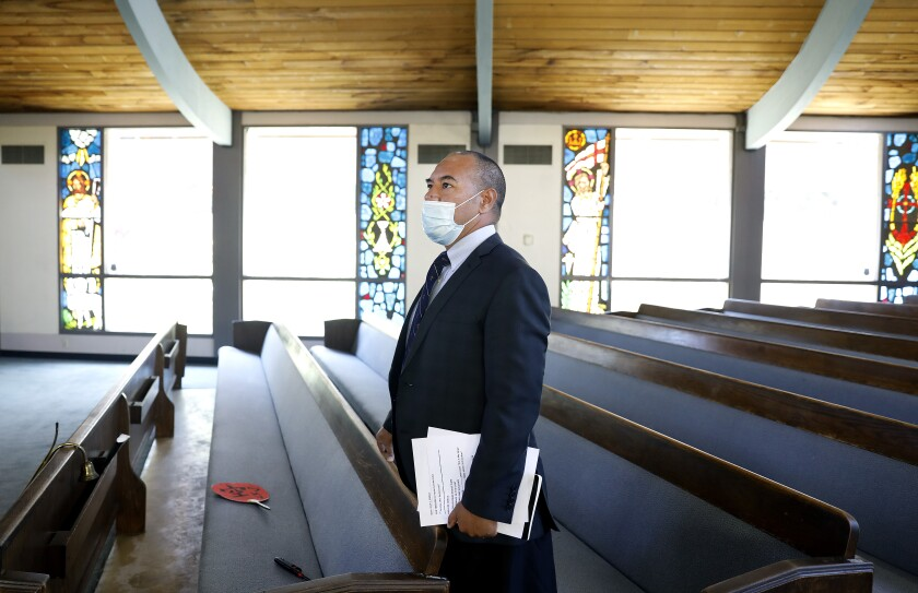 Pastor Kitione Tuitupou i