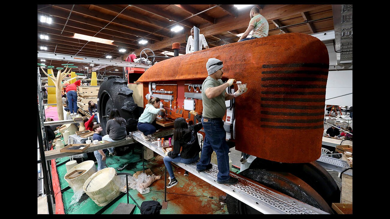 Chipotle uses restaurant ingredients to decorate Rose Parade float