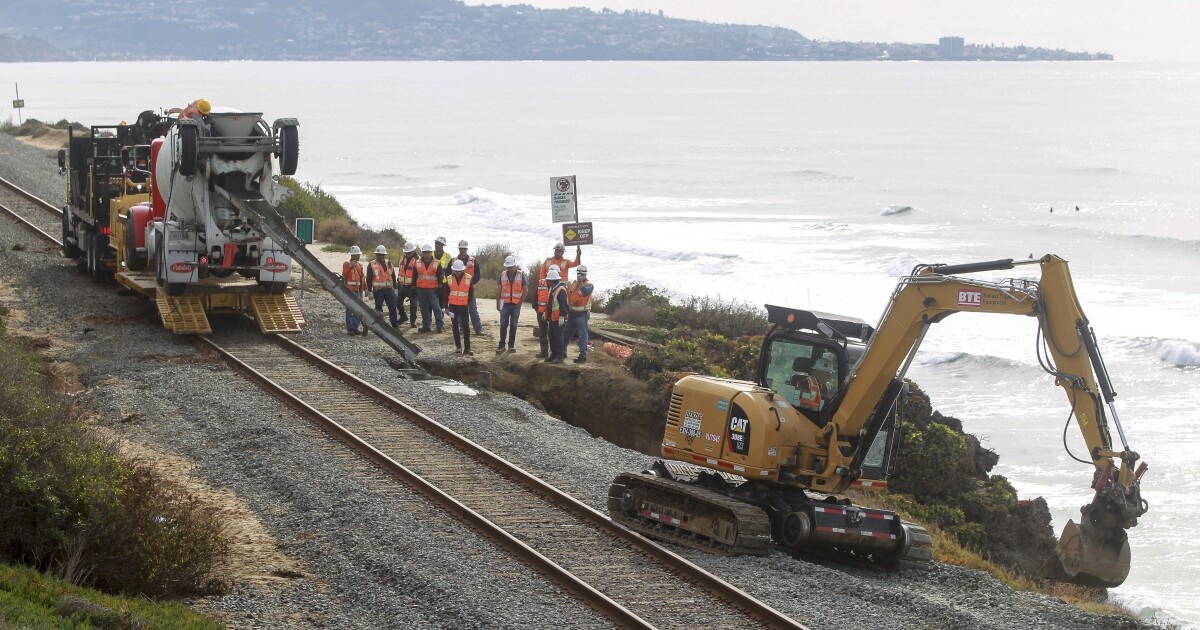 State opposes NCTD bid to control Del Mar bluffs, erect chain-link fence