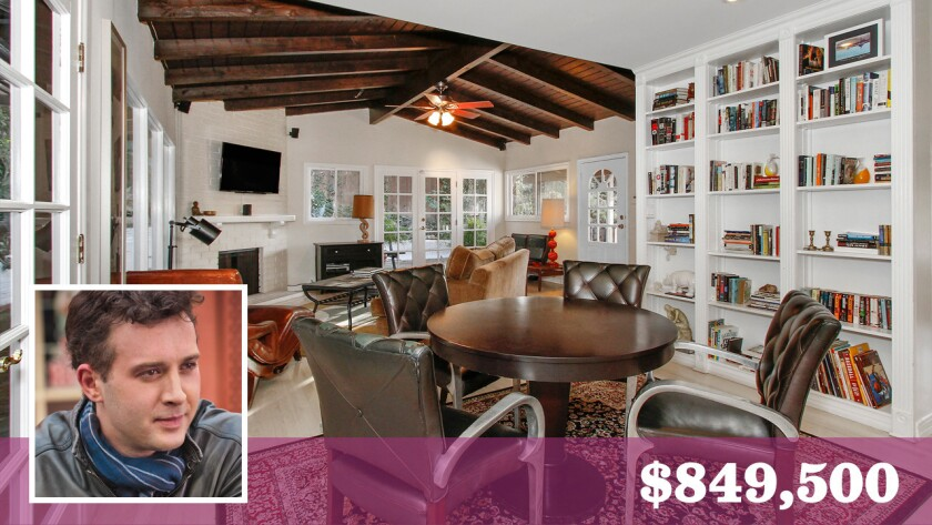 Actor Eddie Kaye Thomas has put his 1950s bungalow in Hollywood Hills up for sale at $849,500.