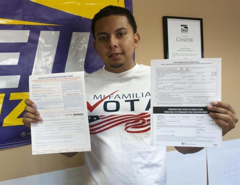 Organizaciones de defensa de los derechos civiles denunciaron hoy violaciones a la ley federal de registro de votantes en Arizona, lo que disminuiría las opciones de ejercer el derecho al sufragio especialmente a personas de grupos minoritarios y personas de bajos recursos. EFE/ARCHIVO