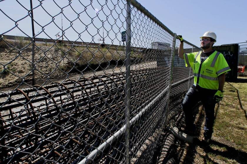 Accommodations were made for the L.A. eruv amid work on one of its boundaries, the 405 Freeway.