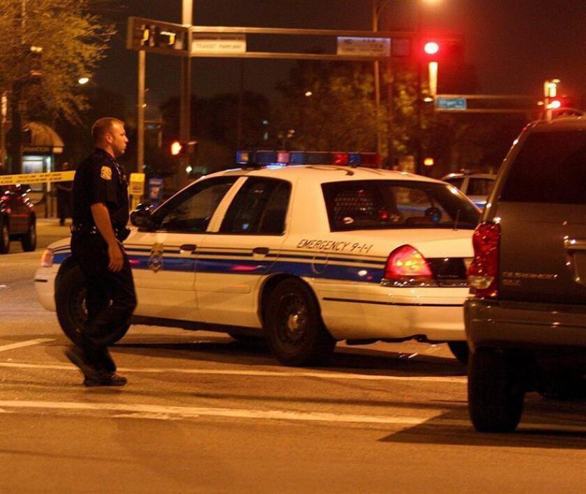 La policía despeja la calle alrededor de la Corte Federal en Tampa, Florida. EFE/Archivo