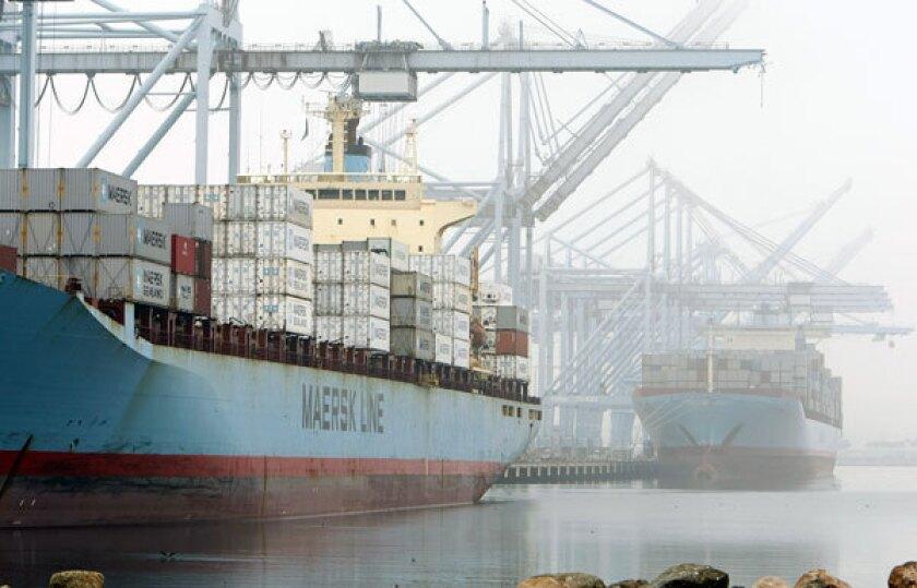Economy's slight shrinkage late last year surprises experts