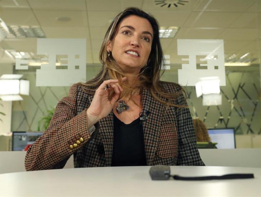 """La periodista brasileña Patricia Toledo de Campos, galardonada con el Premio Rey de España, en la categoría de Periodismo Digital, por el trabajo """"Un mundo de muros"""", que denuncia el aumento de barreras físicas en el planeta, durante la entrevista concedida hoy a la Agencia EFE. EFE"""