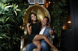 Blind date: Throne together