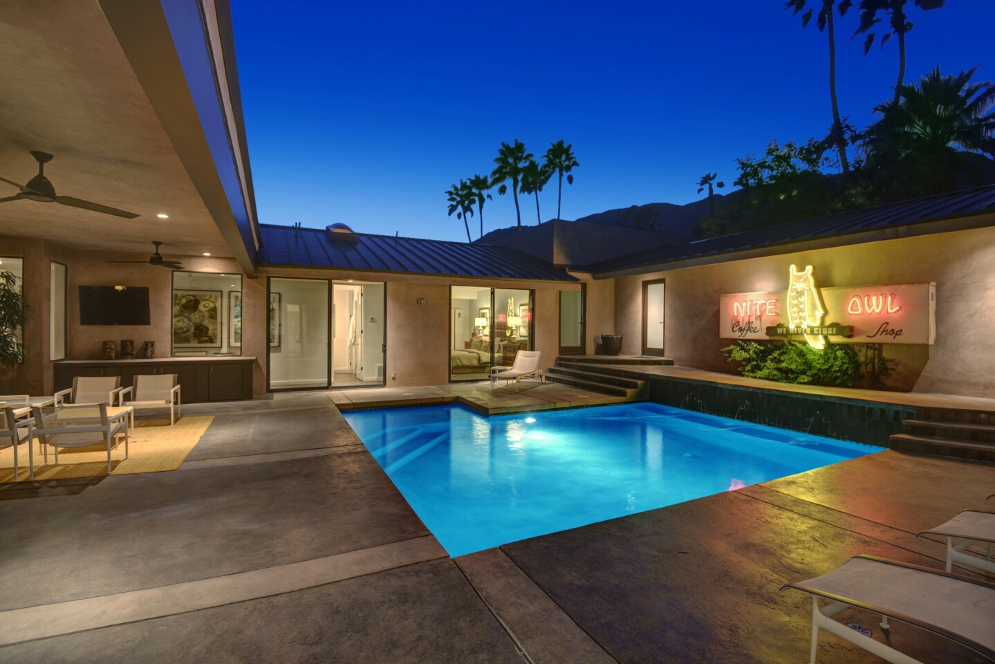 Jay Hart's Palm Springs home   Hot Property