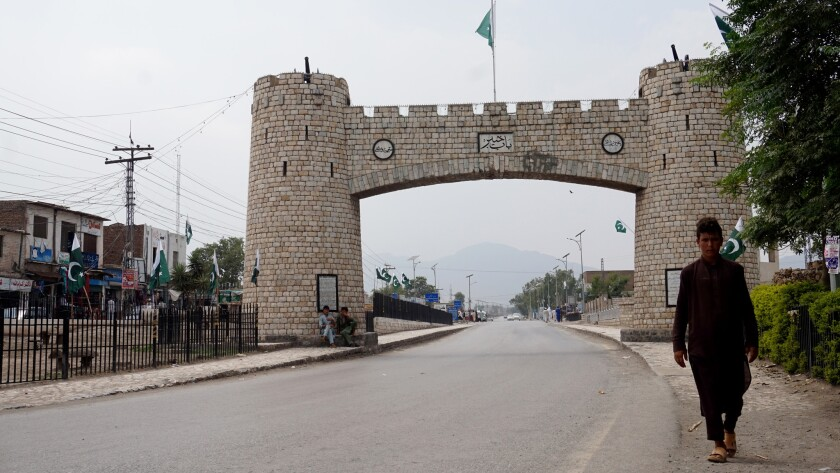 Bab-e-Khyber, a memorial marking the entrance into the tribal areas west of Peshawar.