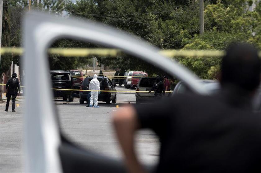 Al menos ocho cadáveres abandonados en vehículo en sur de México
