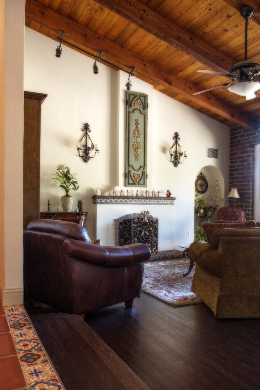 The Zingheim Adobe is a more modern adobe house, recently renovated and with an open entrance and floor plan.