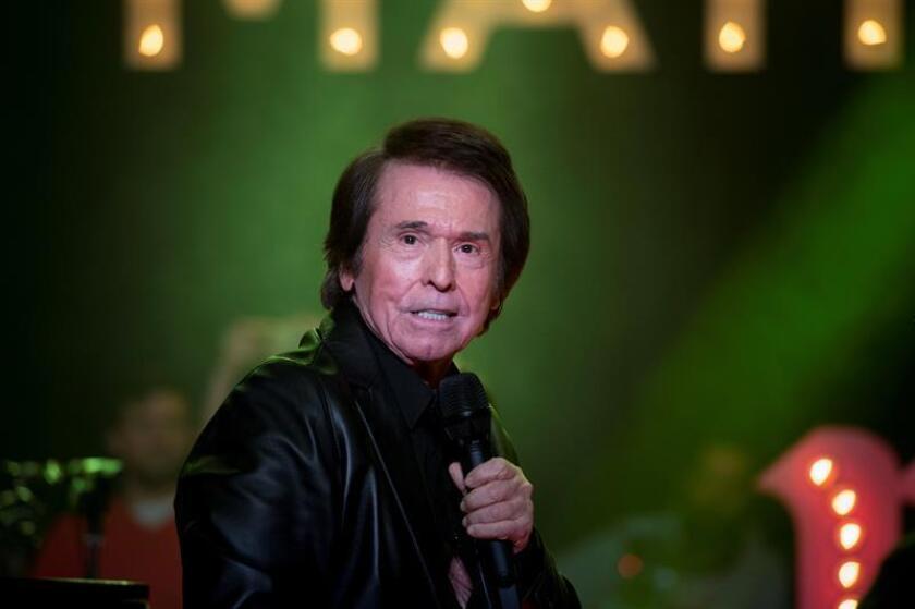 El cantante Raphael durante un concierto. EFE/Archivo