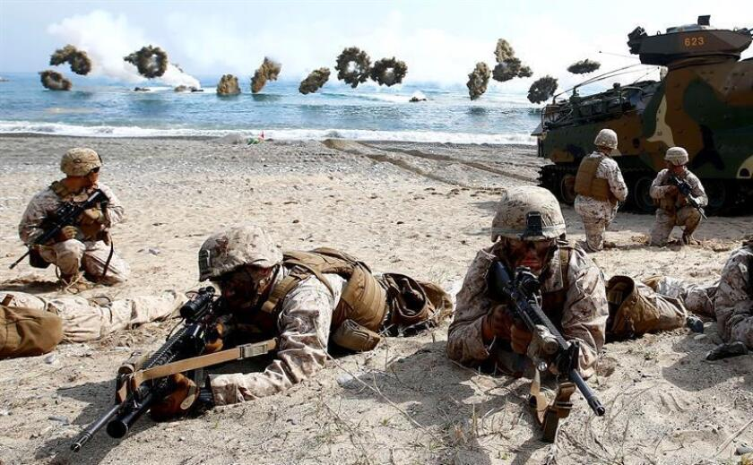 US and South Korean marines participate in an annual Combined Joint Logistics over the Shore (CJLOTS) exercise during the Ssang Yong (Double Dragon) exercises against a possible attack from North Korea, in Pohang, 360 km southeast of Seoul, South Korea, 31 March 2014. EPA-EFE/FILE/JEON HEON-KYUN