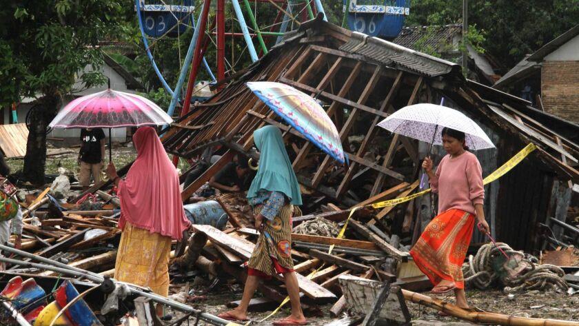 TOPSHOT-INDONESIA-DISASTER-TSUNAMI-VOLCANO