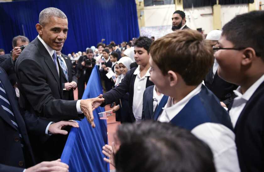 Obama visits American mosque