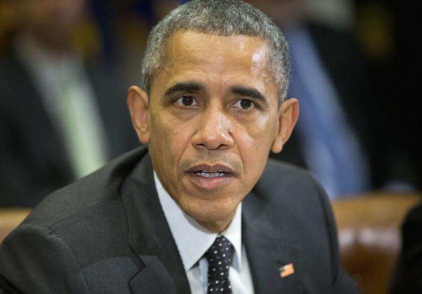 El presidente Barack Obama hablando en el Salón Roosevelt de la Casa Blanca, en Washington. El mandatario firmó el jueves 18 de febrero una ley que impone nuevas sanciones contra Corea del Norte por negarse a detener su programa de armas nucleares. (Foto AP/Pablo Martínez Monsiváis, archivo)