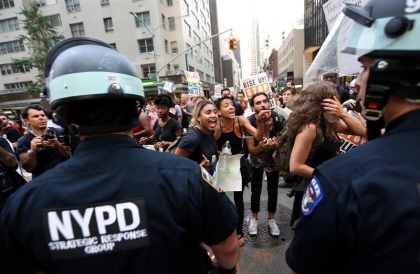 Los recientes ataques contra policías en aparente represalia por los casos de violencia policial contra los negros, han dejado en evidencia el resurgir en Estados Unidos de movimientos nacionalistas e incluso independentistas afroamericanos, algunos de ellos de vieja factura y reeditados ahora