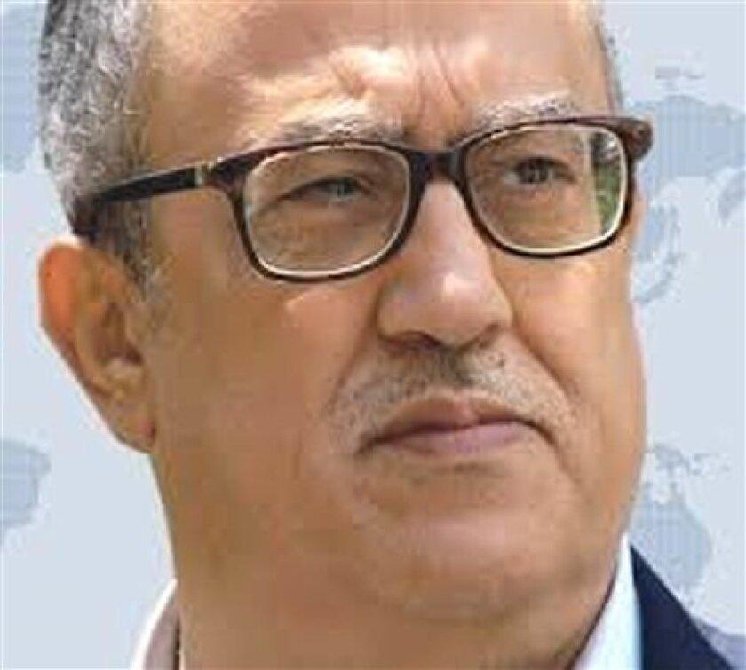 Fotografía de archivo sin fecha facilitada por la agencia noticiosa estatal jordana del conocido escritor jordano Nahe Hattar, quien fue asesinado a tiros el domingo 25 de septiembre de 2016 afuera de un tribunal donde se le enjuiciaba acusado de compartir en redes sociales una caricatura considerada ofensiva para el Islam.