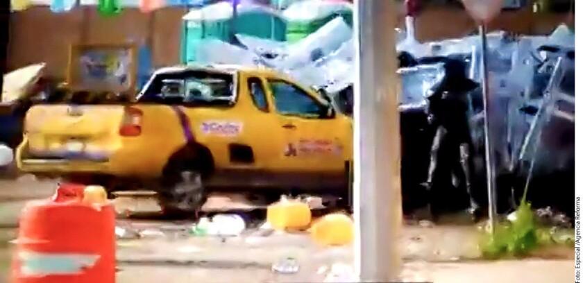 En Playas de Rosarito se registró un incidente en el que policías resultaron heridos tras un desalojo.