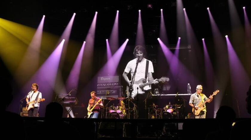Vista del concierto de la banda española Hombres G y el grupo argentino Enanitos Verdes celebrado la noche del 12 de junio en Austin, Texas. EFE