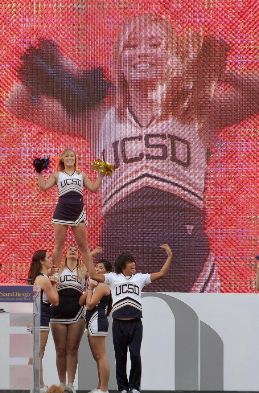 UCSD cheerleaders.